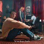 دانلود آهنگ Let Me Down Slowly از Alec Benjamin